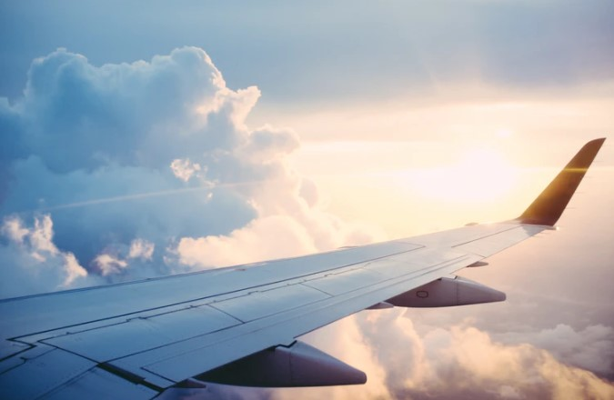Ketahui Izin Usaha Pemesanan Tiket Pesawat dan Hotel Online